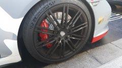 Porsche 911 brakes